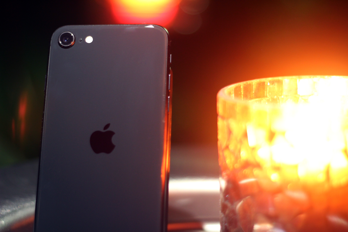 Apple iPhone SE (2020) Rückseite