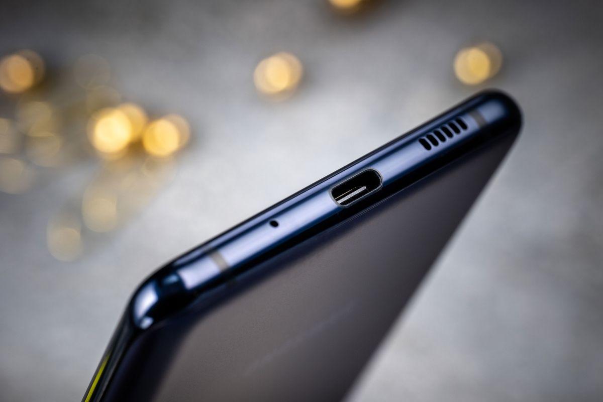 Galaxy S20 FE mit Vertrag USB C Anschluss
