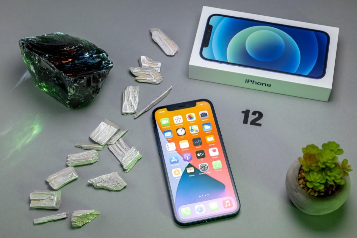 iPhone 12 mit Vertrag Front